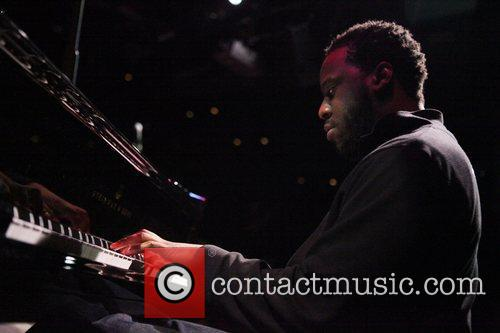 Robert Glasper  The Blue Note Jazz Benefit...