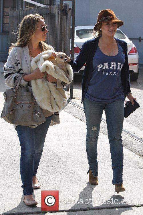 Hilary Duff and Haylie Duff 9