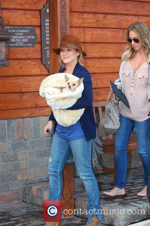 Hilary Duff and Haylie Duff 6
