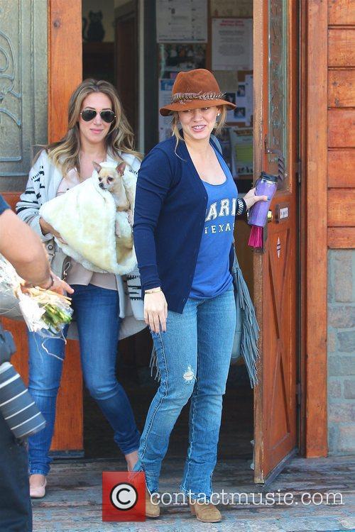 Hilary Duff and Haylie Duff 8