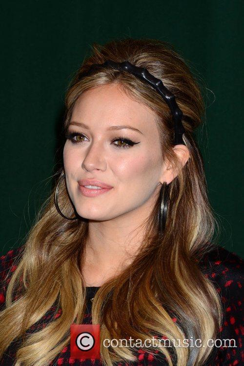 Hilary Duff 33