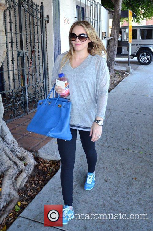 A pregnant Hillary duff going to get her...