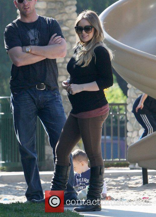 pregnant hilary duff and her husband spend 5759994