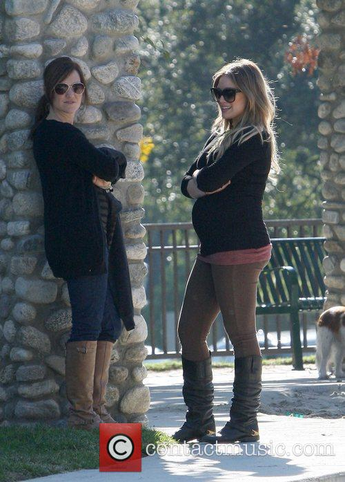 pregnant hilary duff and her husband spend 5759997