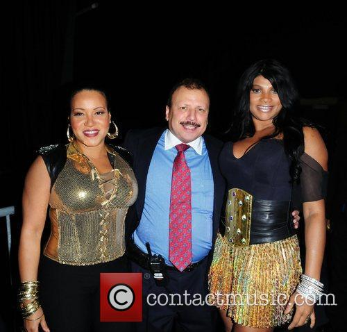 Salt-N-Pepa and Lorenzo Muniz (C)  Salt-N-Pepa legends...