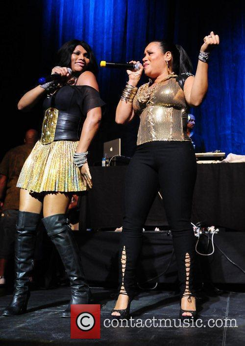 Salt-N-Pepa  Salt-N-Pepa legends of Hip Hop Tour...