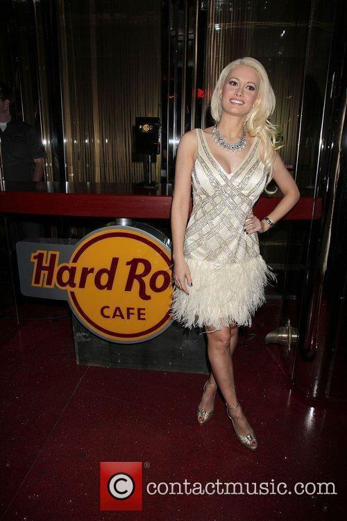 Holly Madison unveils Hard Rock Cafe new 'Light...