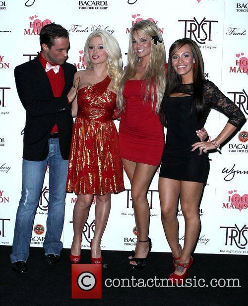 Josh Strickland, Holly Madison, Angel Porrino, Jenna Hoag...