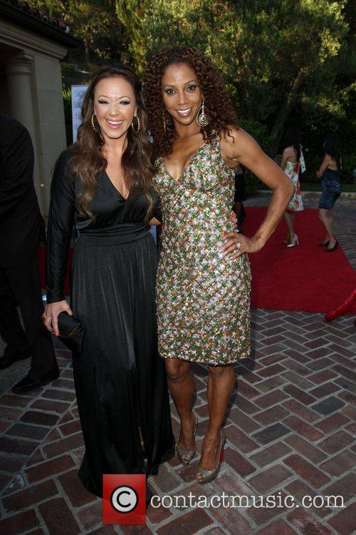 Leah Remini and Holly Robinson Peete 5
