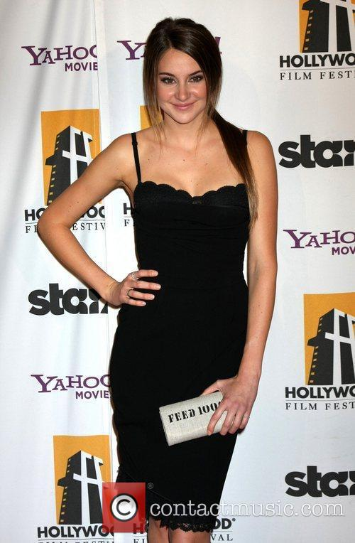 Shailene Woodley and Beverly Hilton Hotel 2