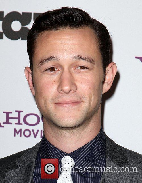 Joseph Gordon-levitt and Beverly Hilton Hotel 5