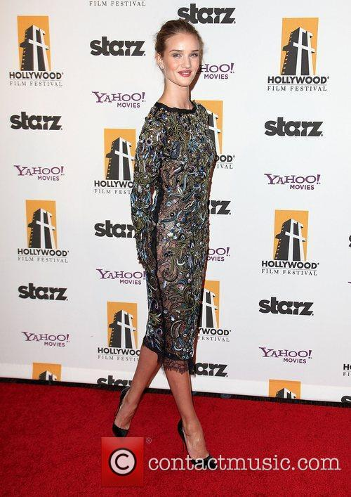 Rosie Huntington-whiteley and Beverly Hilton Hotel 6