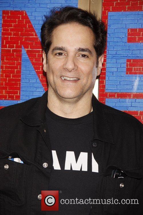 Yul Vazquez 7