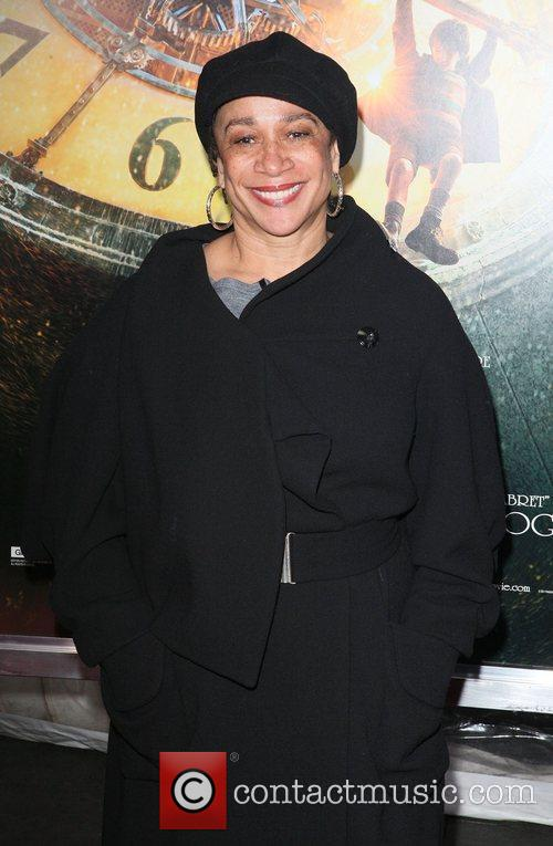 S Epatha Merkerson and Ziegfeld Theatre 1