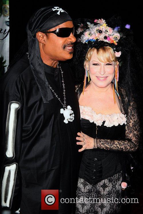 Stevie Wonder and Bette Midler 5