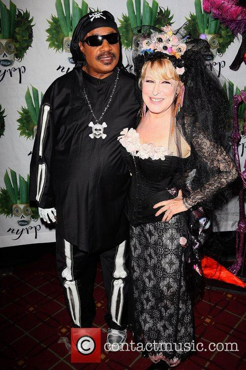 Stevie Wonder and Bette Midler 2