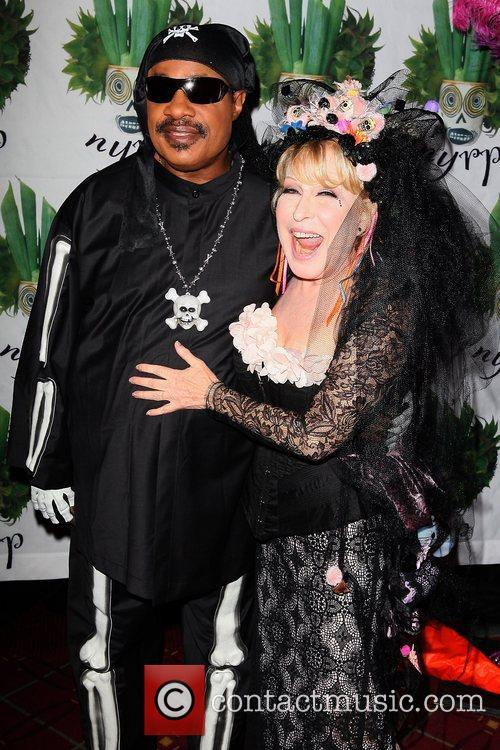 Stevie Wonder and Bette Midler 12