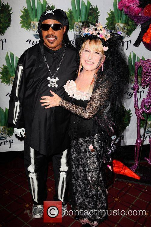 Stevie Wonder and Bette Midler 6
