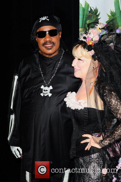 Stevie Wonder and Bette Midler 9