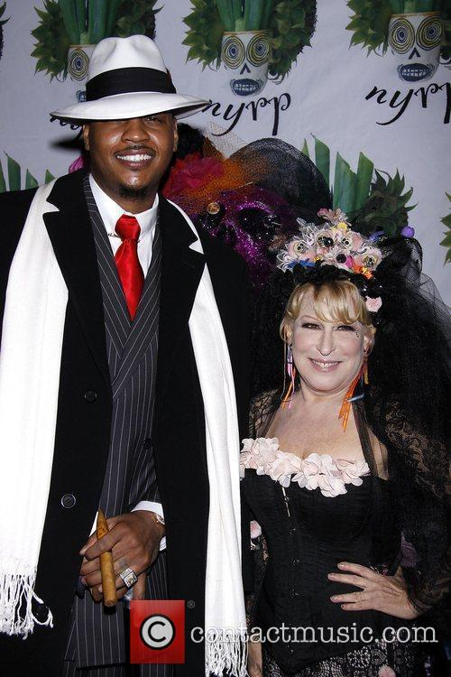 Carmelo Anthony and Bette Midler 5