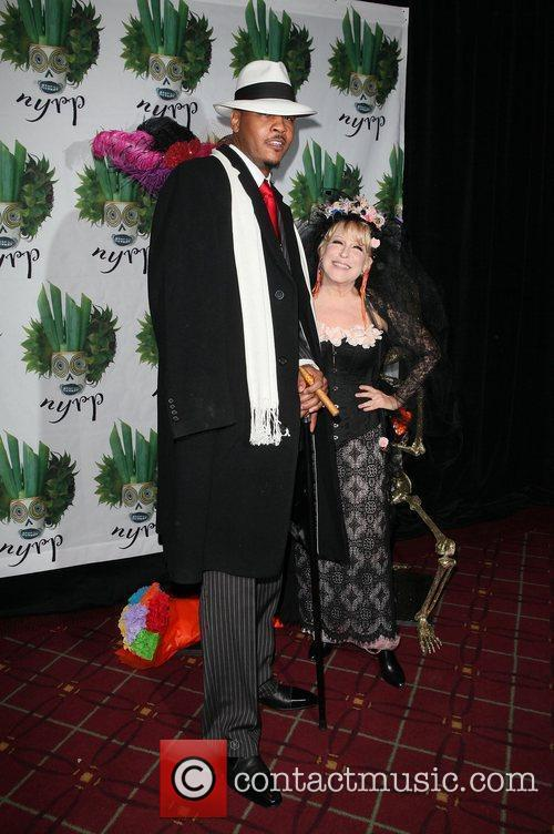 Carmelo Anthony and Bette Midler 10