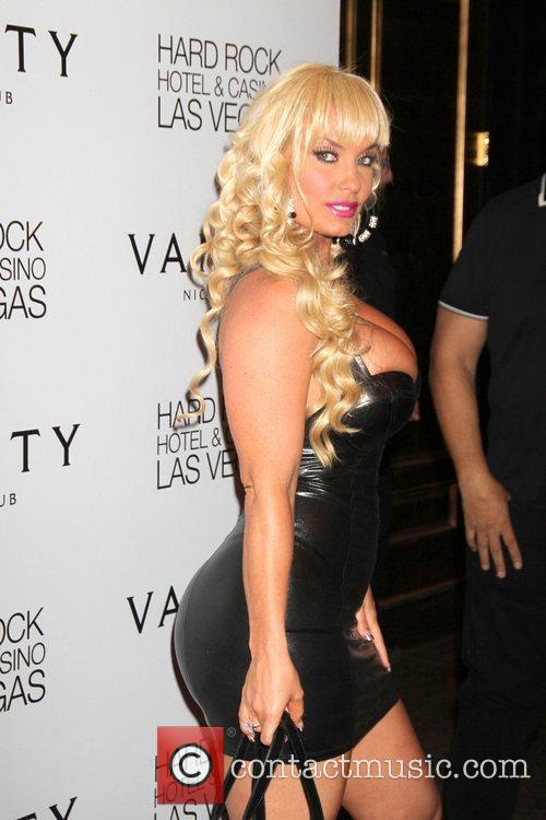 nicole coco austin bent over