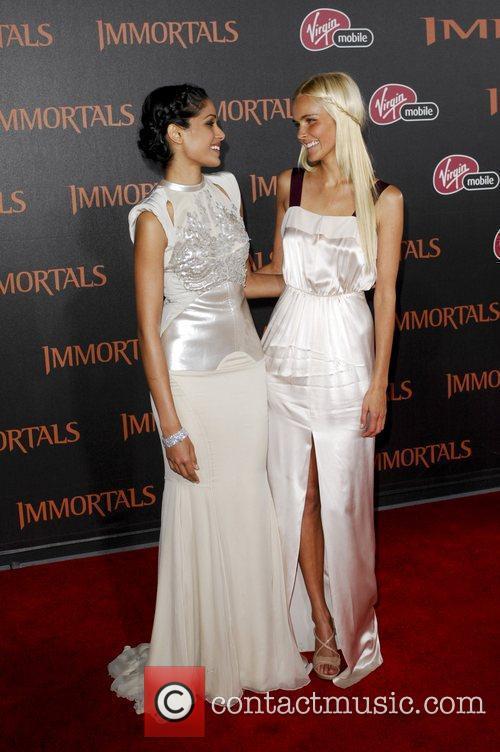 Frida Pinto, Isabel Lucas  'Immortals 3D' Los...