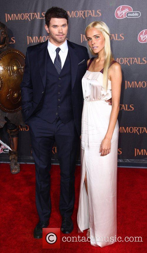 Kellan Lutz and Isabel Lucas 'Immortals 3D' Los...