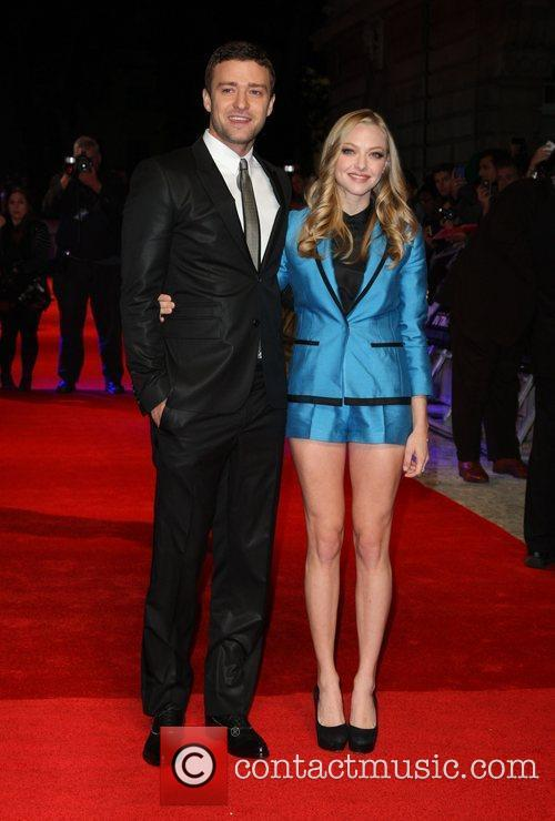 Amanda Seyfried and Justin Timberlake 3