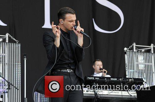 Hurts and Isle Of Wight Festival 8
