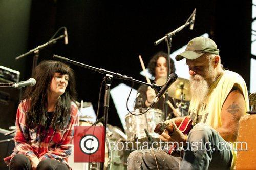 Alison Mosshart joins Seasick Steve at the Roundhouse...
