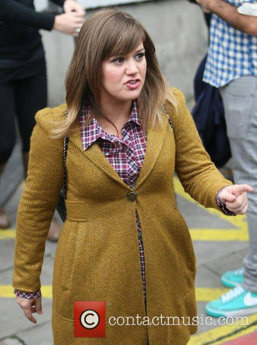 Kelly Clarkson and Itv Studios 4