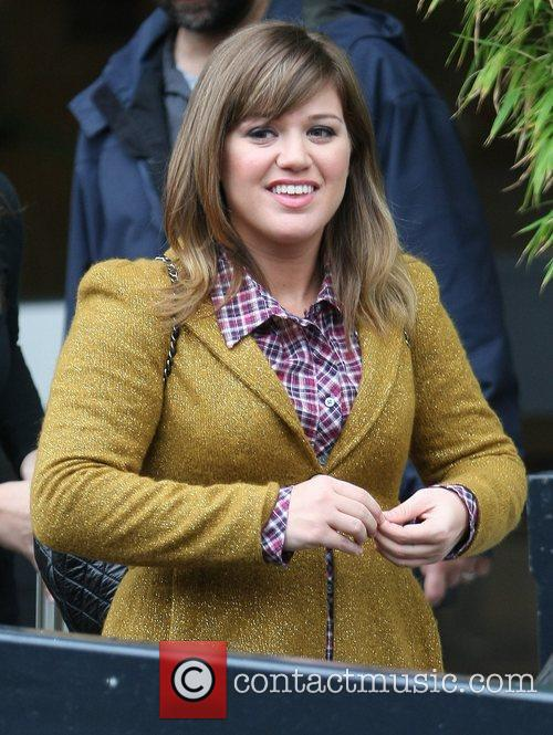 Kelly Clarkson and Itv Studios 6