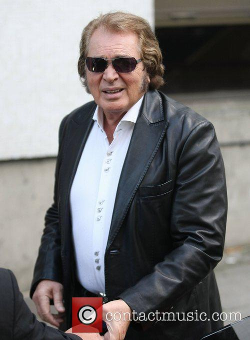 Engelbert Humperdink outside the ITV studios London, England