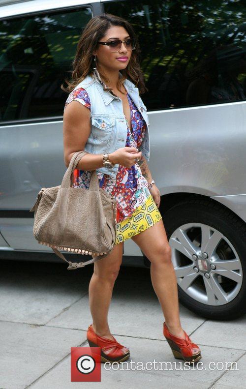 Vanessa White and The Saturdays 1