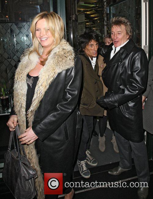 Penny Lancaster, Rod Stewart and Ronnie Wood 6