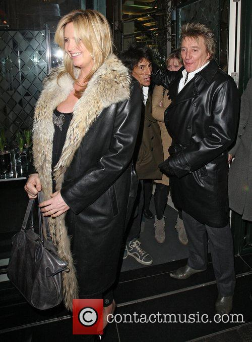 Penny Lancaster, Rod Stewart and Ronnie Wood 4