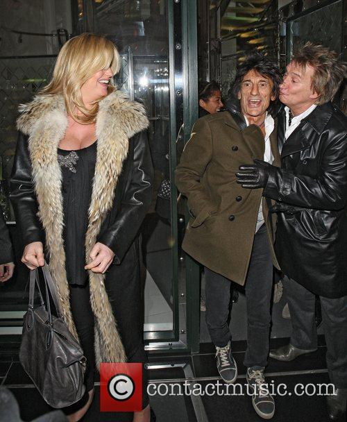 Penny Lancaster, Rod Stewart and Ronnie Wood 5