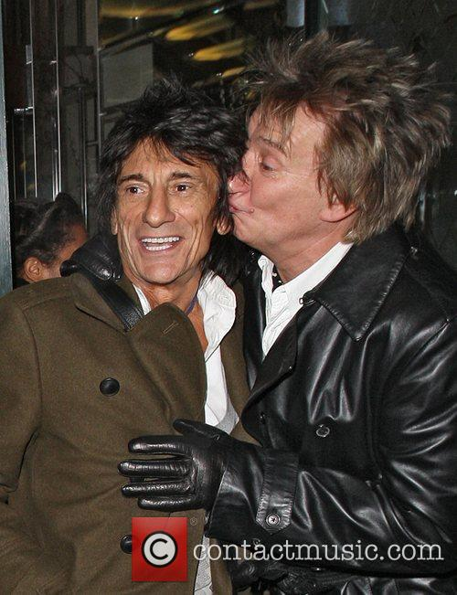 Ronnie Wood and Rod Stewart 2