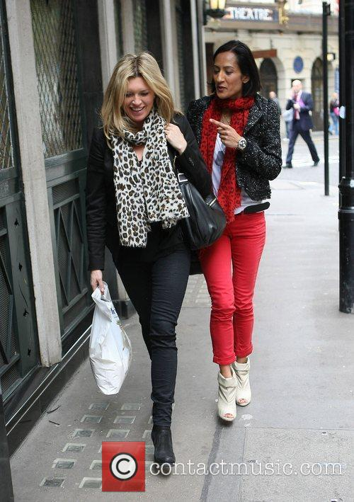Tina Hobley Celebrities outside the Ivy restaurant...
