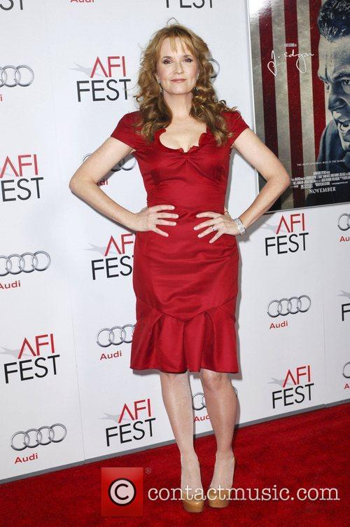 Lea Thompson and Grauman's Chinese Theatre 3