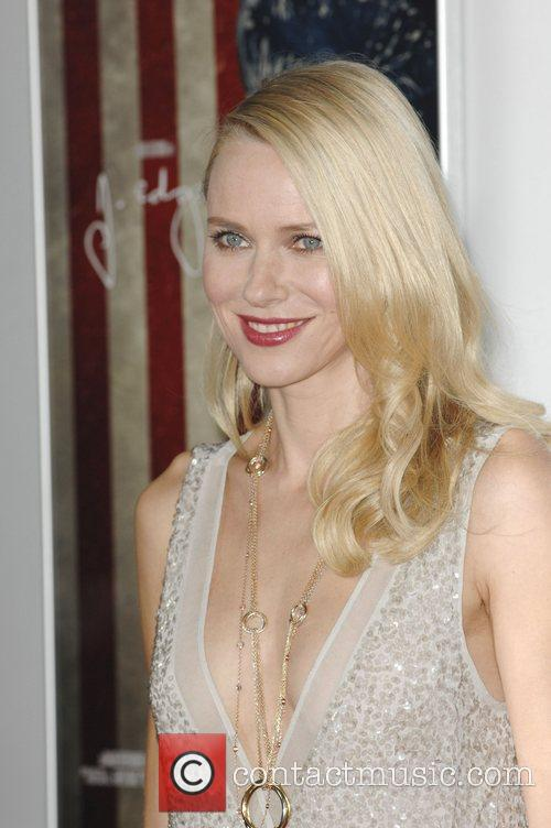 Naomi Watts and Grauman's Chinese Theatre 8