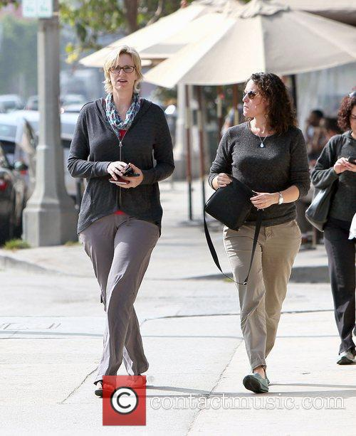 glee star jane lynch and her partner 3564990