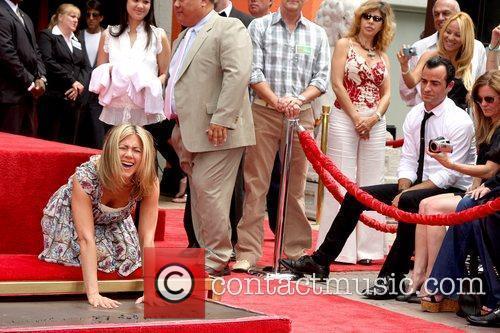 Jennifer Aniston and Justin Theroux 11