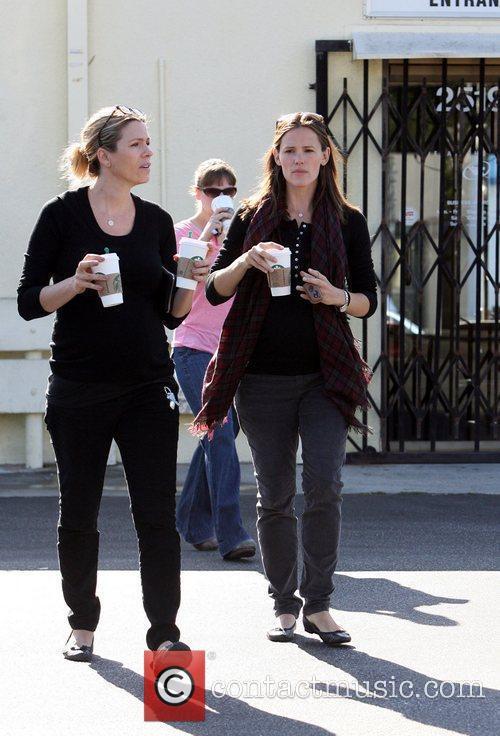 Jennifer Garner stops at Starbucks on her way...
