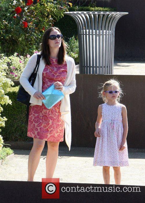 Pregnant Jennifer Garner and daughter Violet Affleck visit...