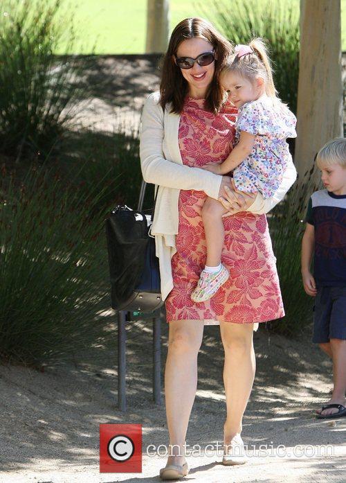 Pregnant Jennifer Garner holds her daughter Seraphina Affleck...