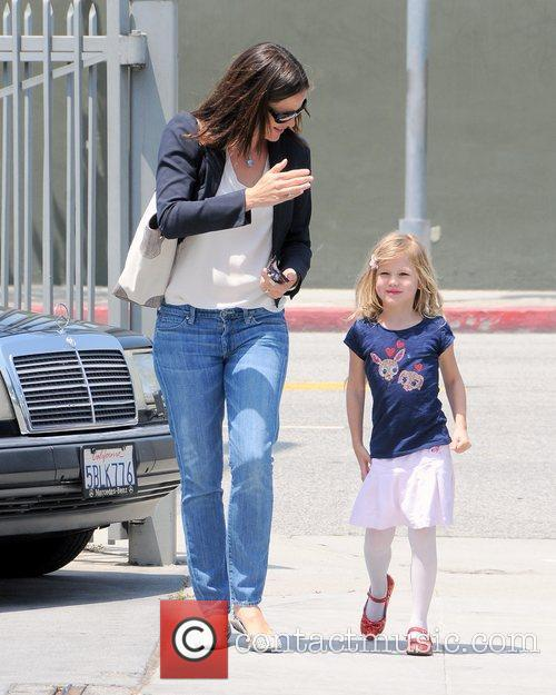 Jennifer Garner takes her daughter Violet to ballet...