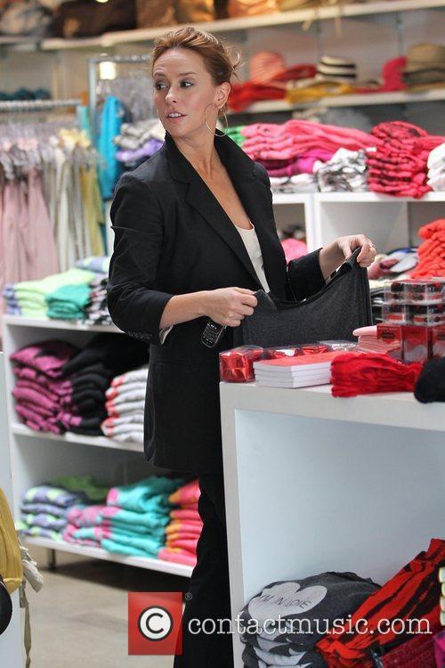 Jennifer Love Hewitt 9