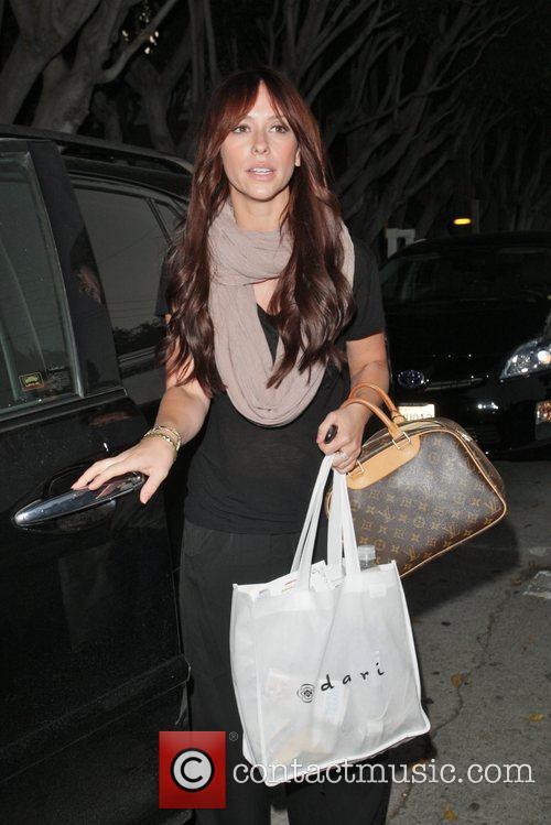 Jennifer Love Hewitt leaves the John Frieda salon...
